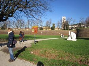 Luccas väljaspool linnamüüre